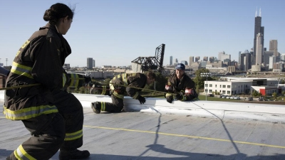 Chicago Fire 08x07 : Welcome to Crazytown- Seriesaddict